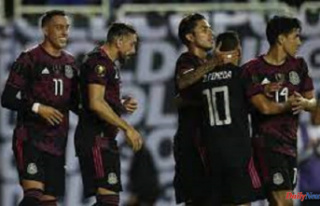 Rogelio Funes Moi is on target for Mexico's Gold...