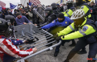 Gym owner pleads guilty in January 6th riot to assaulting...