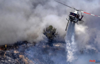 Lake Tahoe is under threat from a massive fire. More...