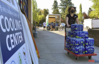 Northwest heat wave sends people to cooling centres