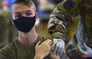 Pentagon: US troops need to get their COVID-19 vaccinations...