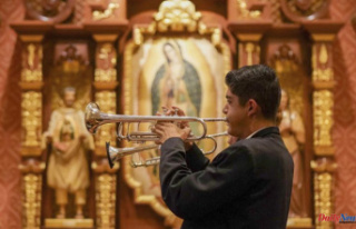 The COVID silences mariachi Mass and it returns to...