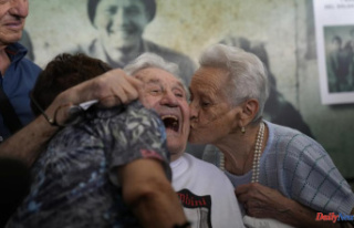 US WWII Veteran reunites with Italians that he saved...