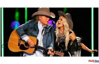 """Carrie Underwood and """"Legend Dwight Yoakam""""..."""