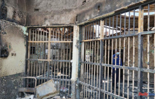 Fire kills 41 prisoners, injures 80 at crowded prison...