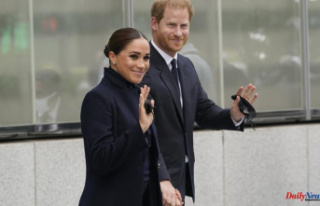 Harry and Meghan visit NYC landmarks, including the...