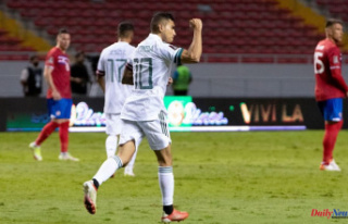 Mexico wins a visit to Costa Rica and leads the Concacaf...