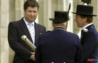 Prince Charles' ex-aide quits charity role amid...