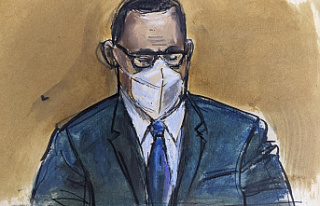 R&B star R. Kelly convicted in sex traficking...