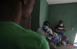 Some Haitians in Mexico find help from others