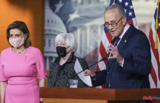 The closer: Biden in familiar position, to unify party...