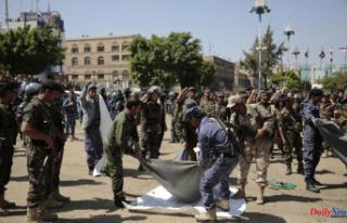 Yemen Houthi rebels execute nine senior officials'...