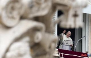 Pope calls for more humane prison life after Ecuador...
