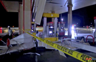 Tornadoes cause damage in Oklahoma; storms rock central...