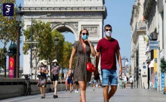 More infections in France: A kiss on the cheek, in spite of Corona