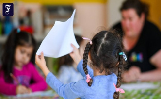 Two billion euros in aid: Coalition agrees on corona funding for children