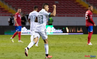 Mexico wins a visit to Costa Rica and leads the Concacaf World Cup qualifying round