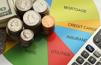 How To Manage Personal Finances While Staying Alone In A PG In Delhi?