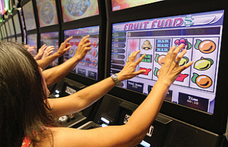 Why do people enjoy free slot tournaments?
