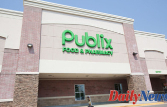 Publix brings free cookies for Children