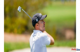 Russell Henley cards 67, holds first-round clubhouse lead at U.S. Open Championship