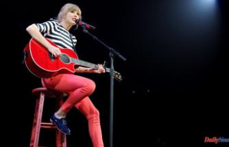 """Taylor Swift Announces Next Album: """"Red (Taylor's Version)"""""""