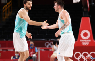 Tobey's experience in Slovenia helps Slovenia reach the Olympic semifinals