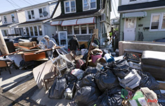 Residents are overwhelmed by insurance problems after the Northeast flooding