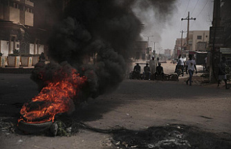 As pressure mounts, 3 Sudanese coup opponents are arrested
