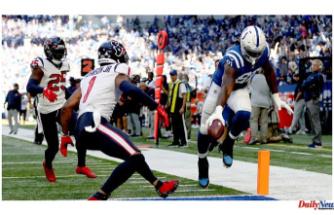 Colts defeat Texans behind Jonathan Taylor and Carson Wentz