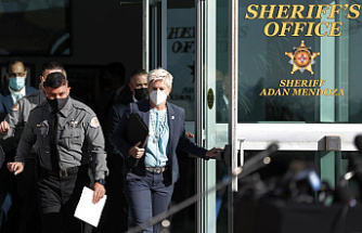 Sheriff: Some complacency with weapons was evident in a movie set
