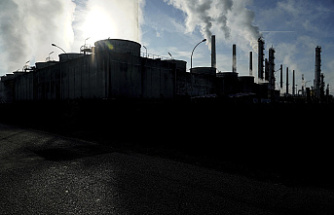 The Greenhouse gas levels have reached a new high, and there are no cuts.