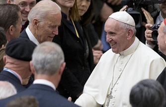 Vatican suspends broadcast of live greeting from Biden to Pope